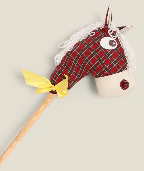 Как сделать лошадь своими руками на палочке